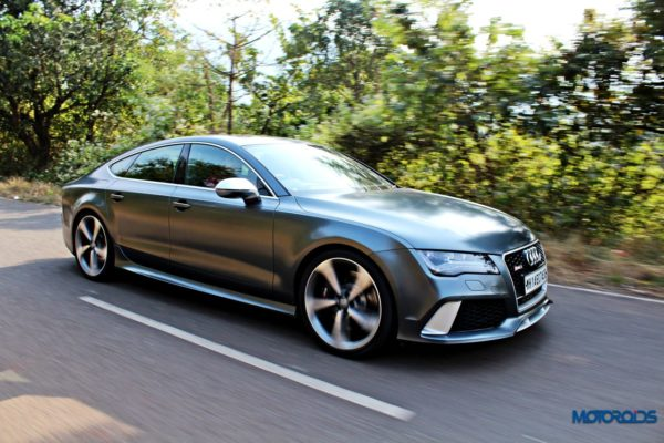 audi RS7 tracking shots front (4)