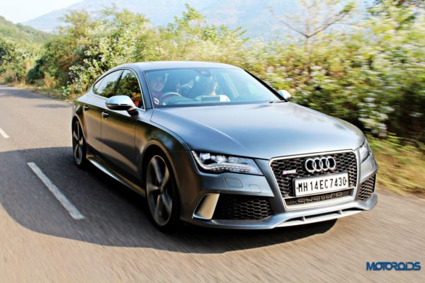 audi RS7 tracking shots front (5)