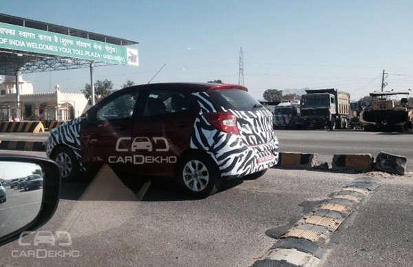 2015 Ford Figo Hatchback (2)