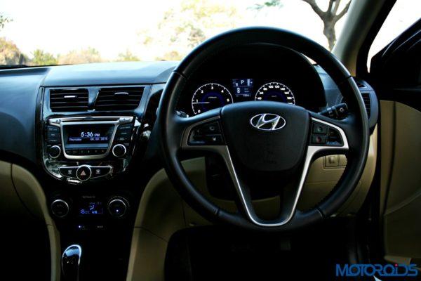 2015 Hyundai Verna 4S (128)cockpit view