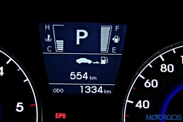 2015 Hyundai Verna 4S (133)instrumentation