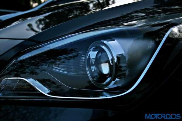2015 Hyundai Verna 4S (160)headlight detailed view