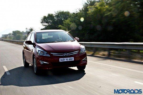 2015 Hyundai Verna 4S (35)action front