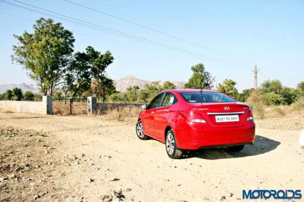 2015 Hyundai Verna 4S (38)off road