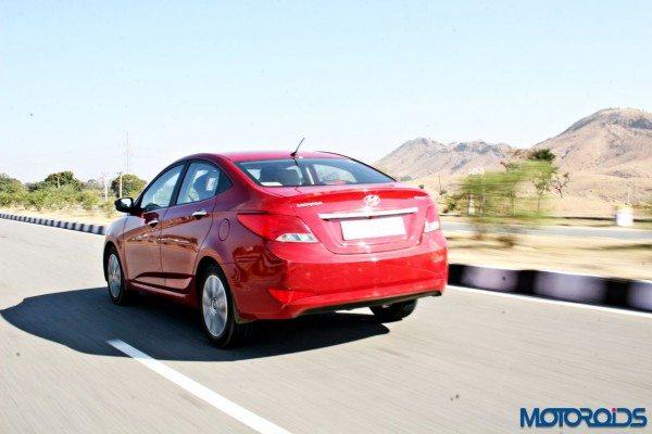 2015 Hyundai Verna 4S (51) action left rear