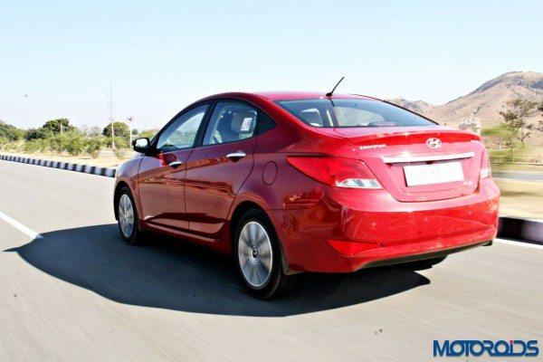 2015 Hyundai Verna 4S (52)action left rear
