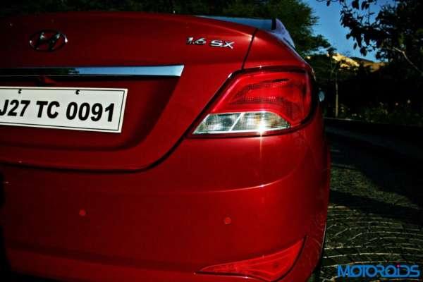 2015 Hyundai Verna 4S (5)tail light
