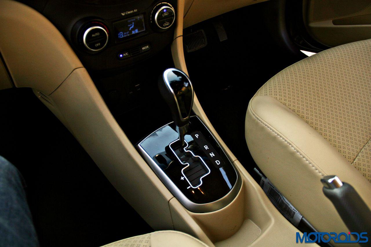 2015 Hyundai Verna 4S (87)automatic transmission