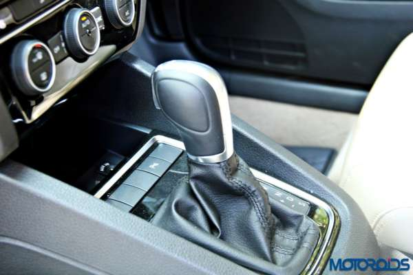 2015 Volkswagen Jetta facelift DSG (1)