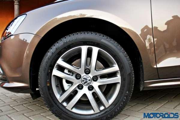 2015 Volkswagen Jetta facelift Instrument Cluster (4)