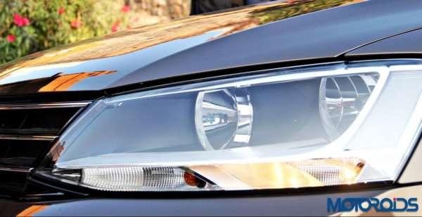 2015 Volkswagen Jetta facelift head lamps Trendline (1)