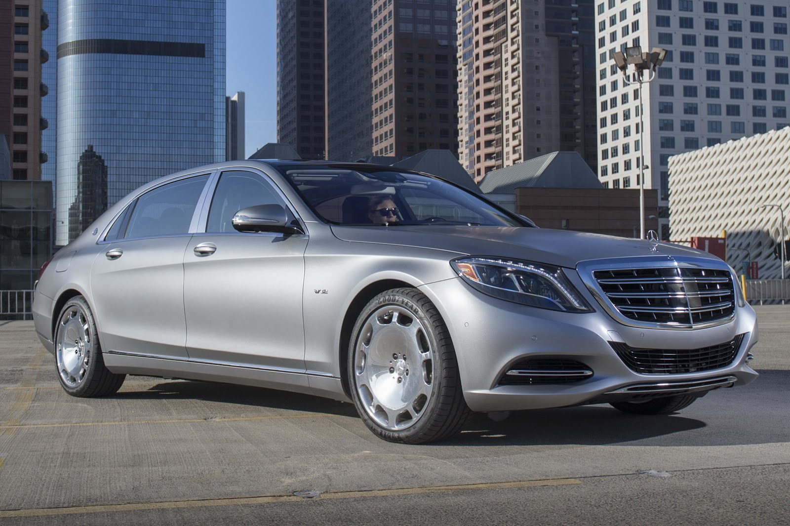 get a load of the 2016 mercedes maybach s600 through new photos motoroids. Black Bedroom Furniture Sets. Home Design Ideas