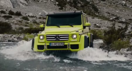 G 500 4x4 Squared in water