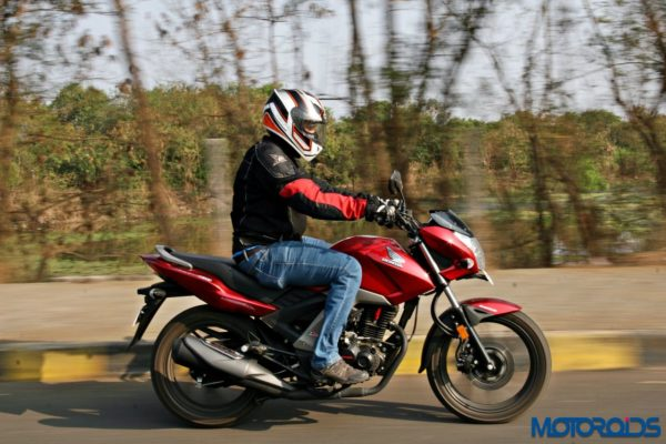 Honda CB Unicorn 160 Review - Action Shots (19)