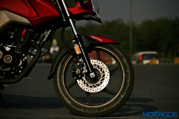 Honda CB Unicorn 160 Review - Static and Details - Front Disc Brake