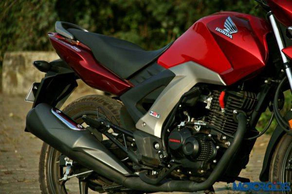 Honda CB Unicorn 160 Review - Static and Details - Left Side View (4)