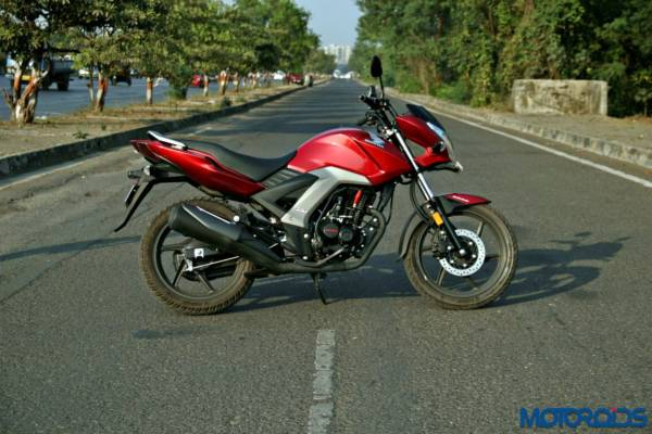 Honda CB Unicorn 160 Review - Static and Details - Left Side View (7)