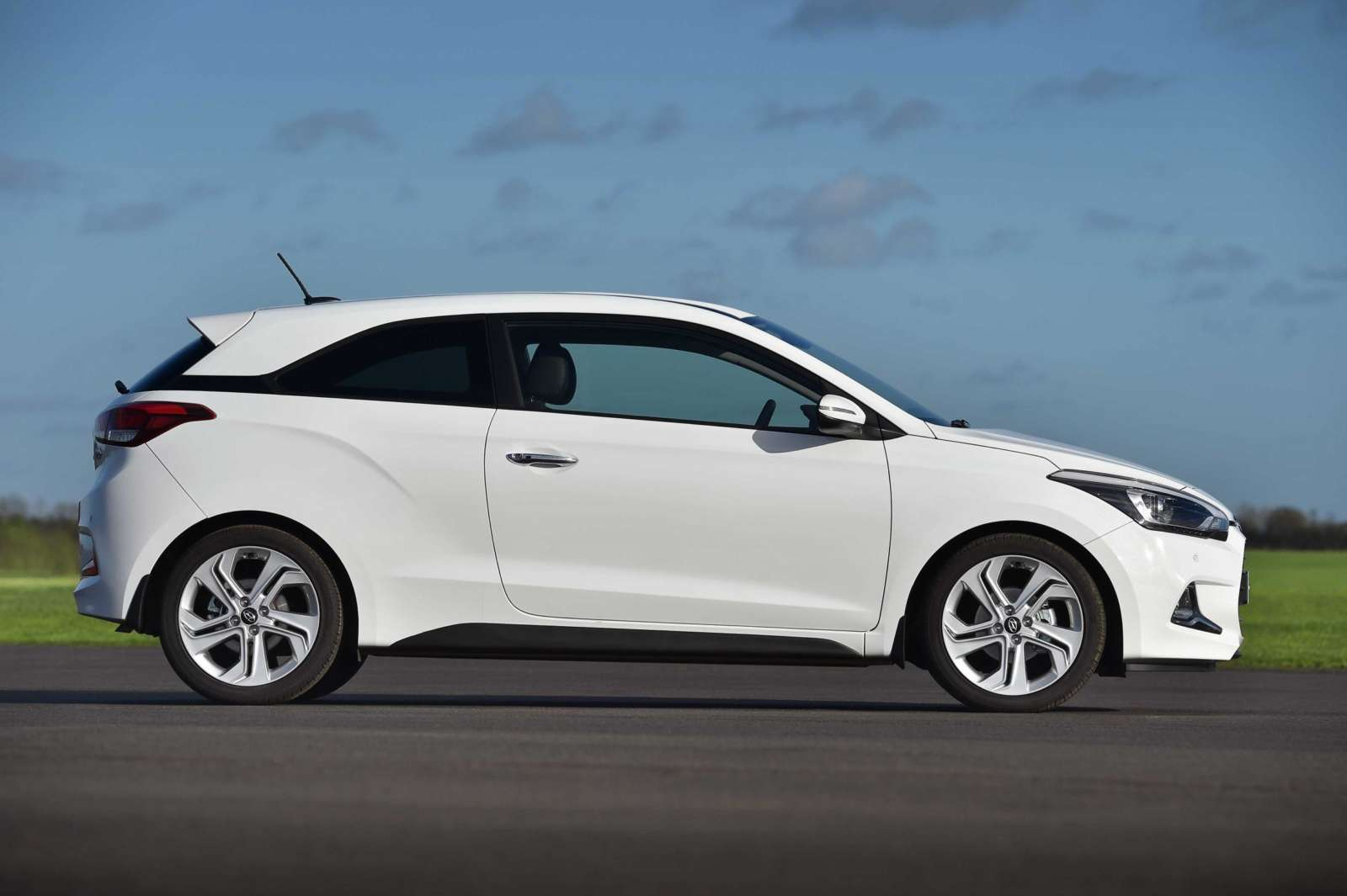 Hyundai I20 Coupe Pricing Announced Starts At 12 Lakhs