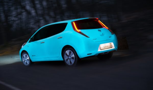 Nissan Leaf glow-in-the-dark (3)