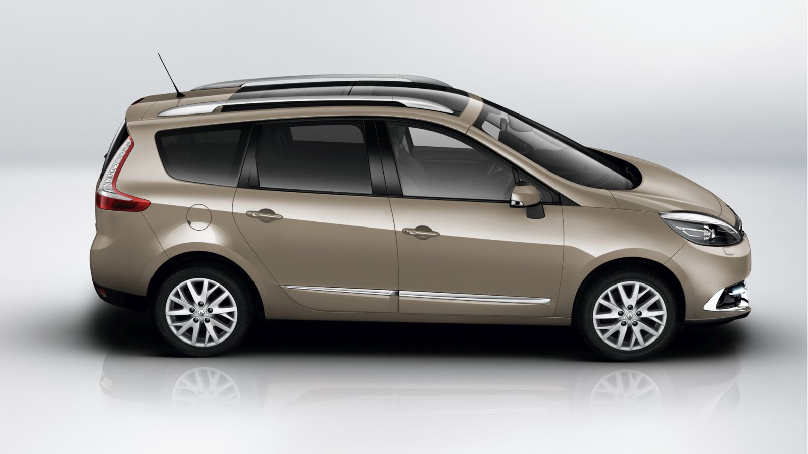 renault grand scenic spied in india here for launch or. Black Bedroom Furniture Sets. Home Design Ideas