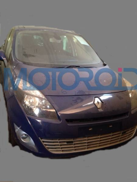 Renault Grand Scenic spy Images India (1)