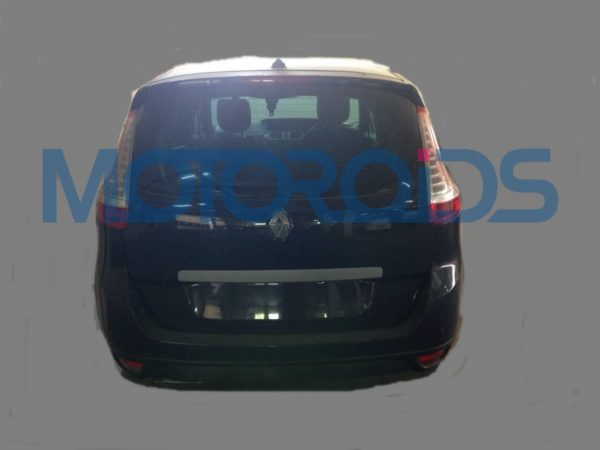 Renault Grand Scenic spy Images India (2)