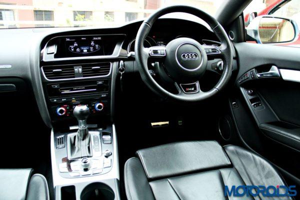 audi RS5 interior (10)