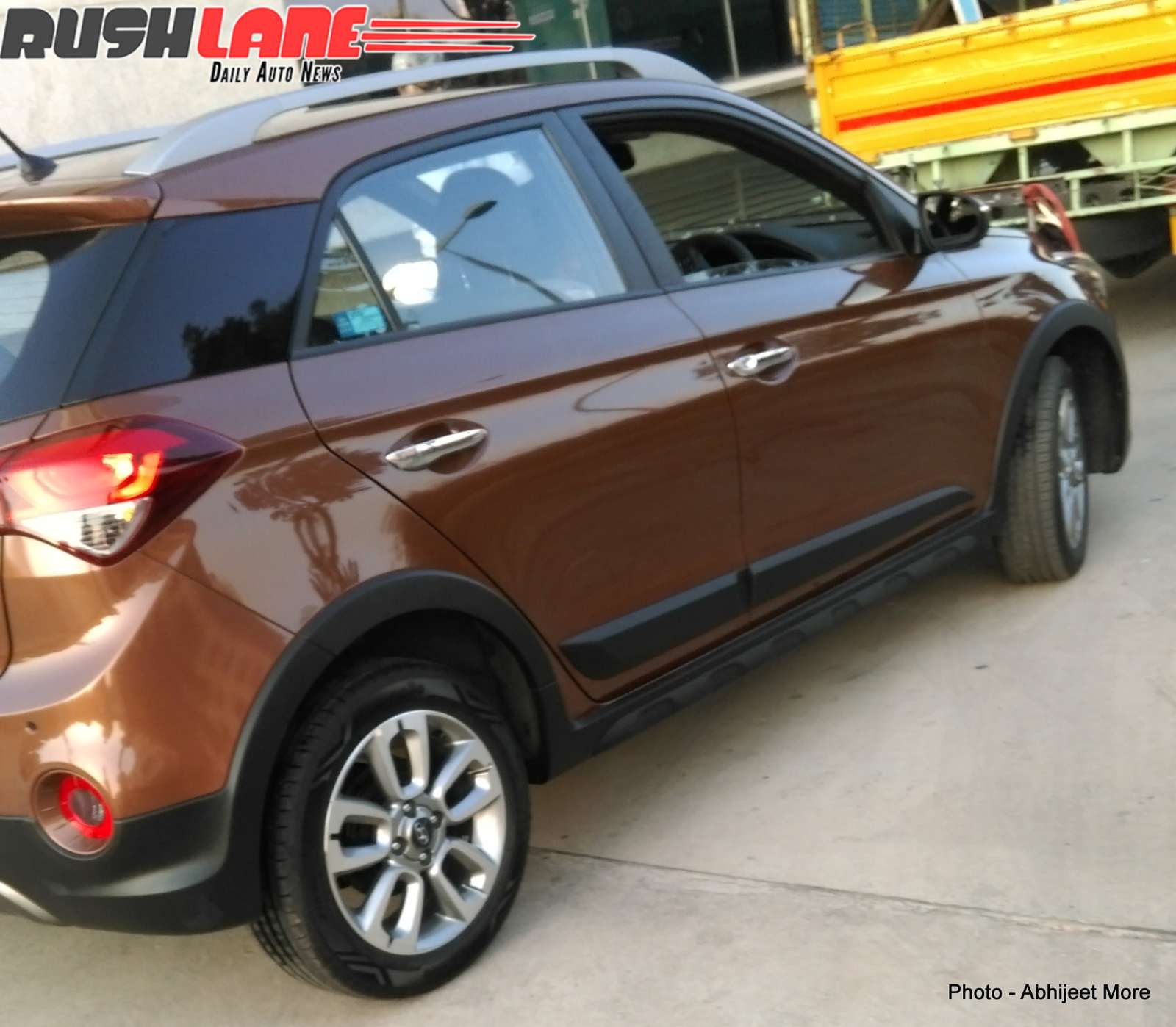 new hyundai i20 active cross leaked completely motoroids. Black Bedroom Furniture Sets. Home Design Ideas