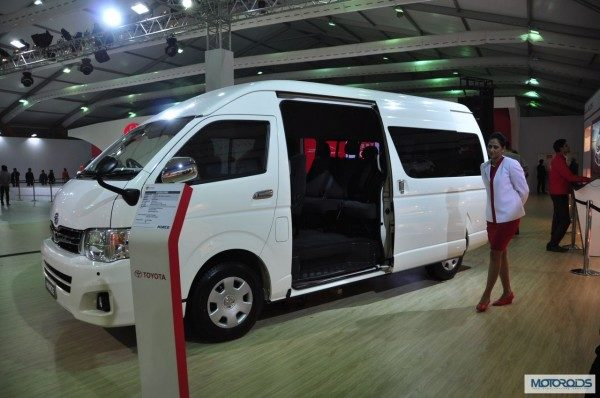 toyota-hiace-india-images-expo-1-600x398.jpg.pagespeed.ce.-URdU1K4pu2hKB5ZleCJ