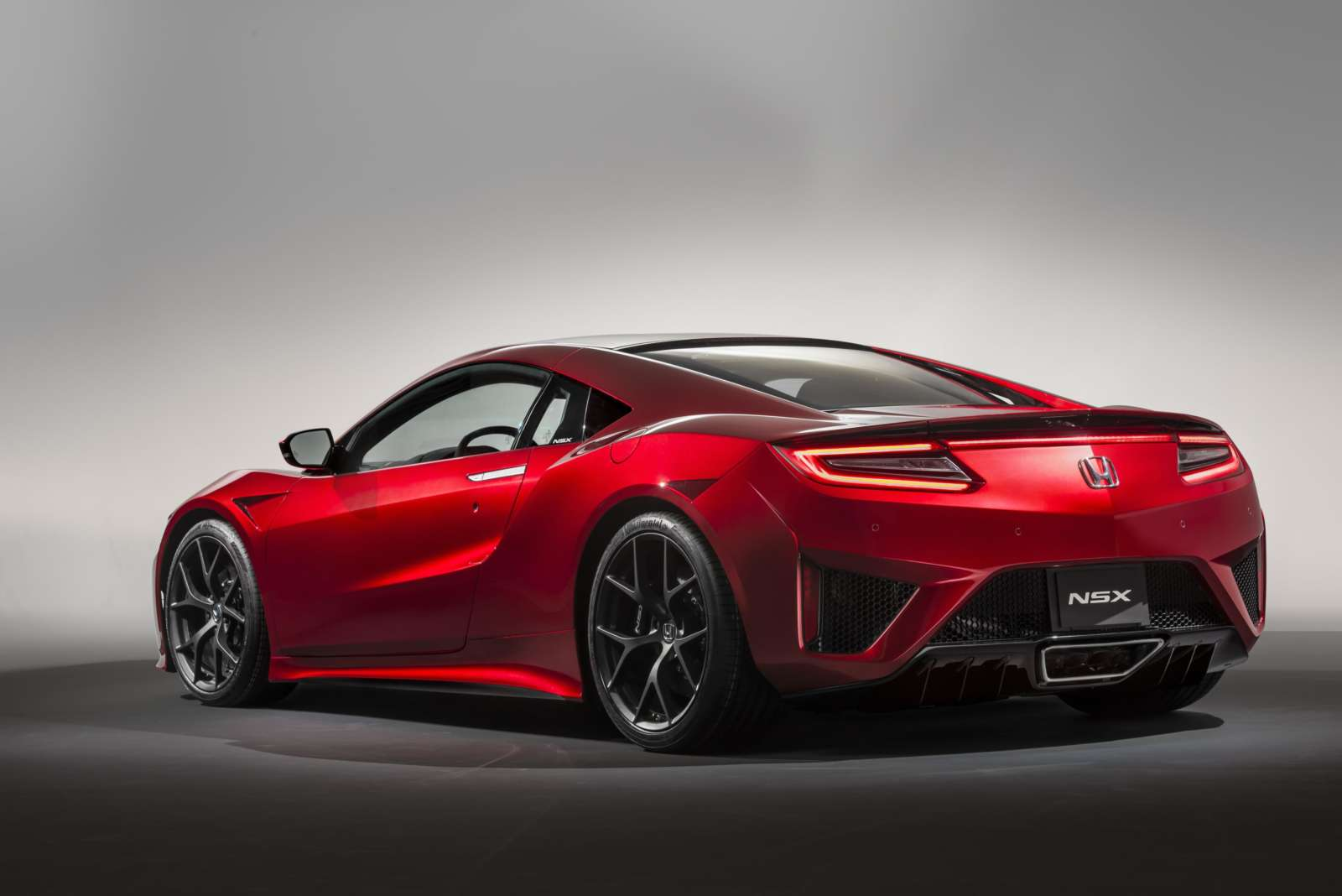 honda nsx debuts at geneva motor show 2015 motoroids. Black Bedroom Furniture Sets. Home Design Ideas