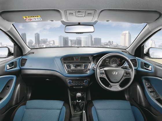 2015 Hyundai i20 Active Official (2) - Interior Aqua blue+Black