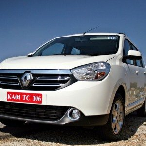 2015 Renault Lodgy  (2)