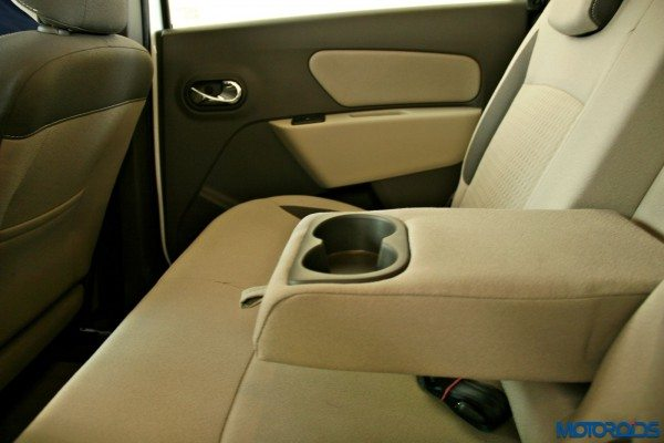 2015 Renault Lodgy - Second Row Arm rest