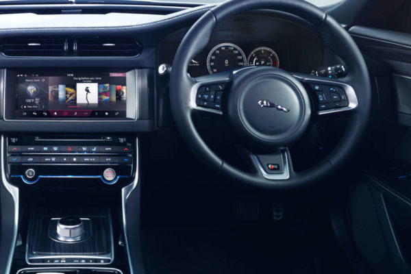 All-new Jaguar XF InControl Touch Pro system (2)