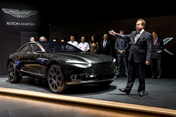 Aston Martin DBX (12)