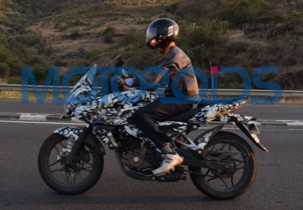 Bajaj Pulsar 200 Adventure Sport Spied in Pune (2)