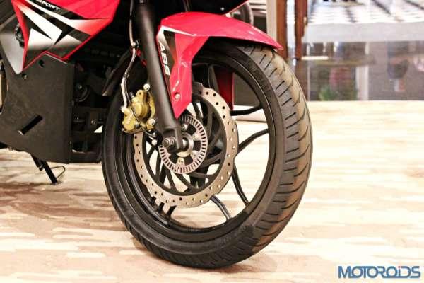 Bajaj Pulsar RS200 Launch - Front Disc Brake