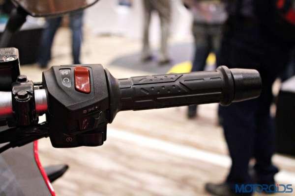 Bajaj Pulsar RS200 Launch - Switch Gear - Right Side