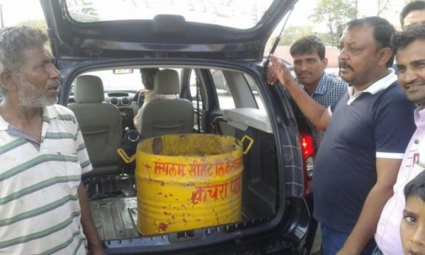 Disgruntled owner donates his Renault Duster for garbage disposal (3)
