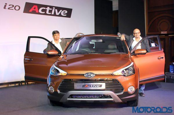 Hyundai i20 Active Mumbai Launch (1)