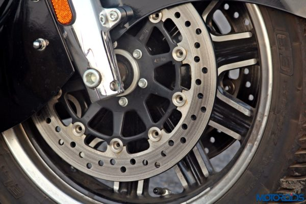 Indian Chieftain front brakes and alloy wheel (88)