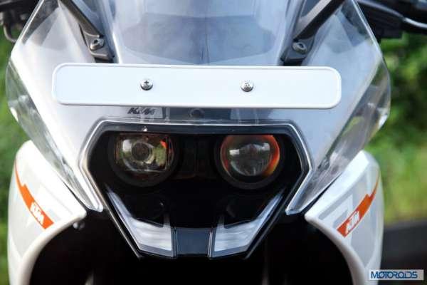 KTM-RC390-Review-Headlights-Close-Up