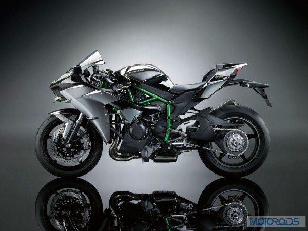 Kawasaki-Ninja-H2-Official-Image-5-600x450
