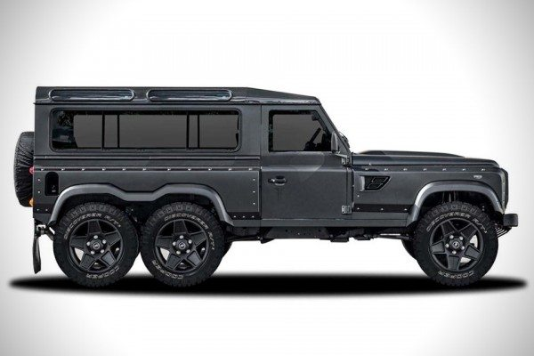 Land-Rover-Defender-Flying-Huntsman-6x6-Concept-1