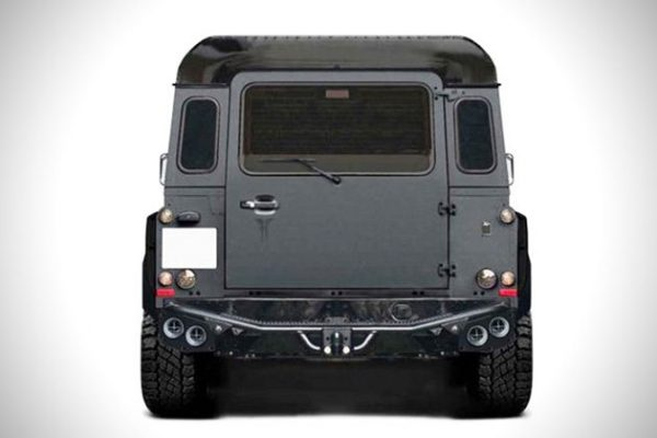 Land-Rover-Defender-Flying-Huntsman-6x6-Concept-3