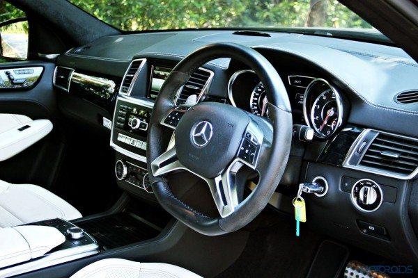 Mercedes-Benz ML 63 AMG cabin view (113)