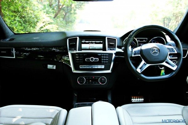 Mercedes-Benz ML 63 AMG cabin view (81)