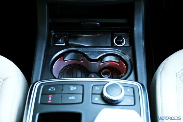 Mercedes-Benz ML 63 AMG drive and COMAND controls (91)