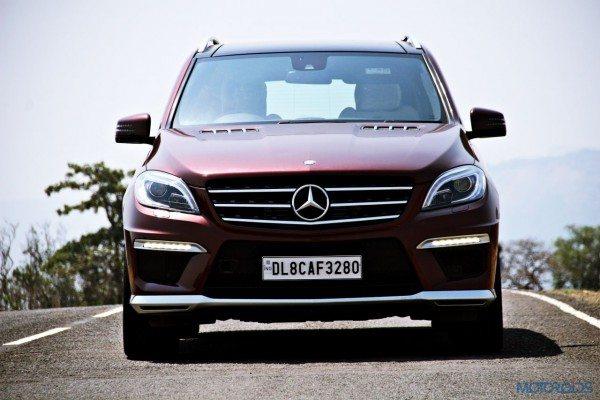 Mercedes-Benz ML 63 AMG head on (70)