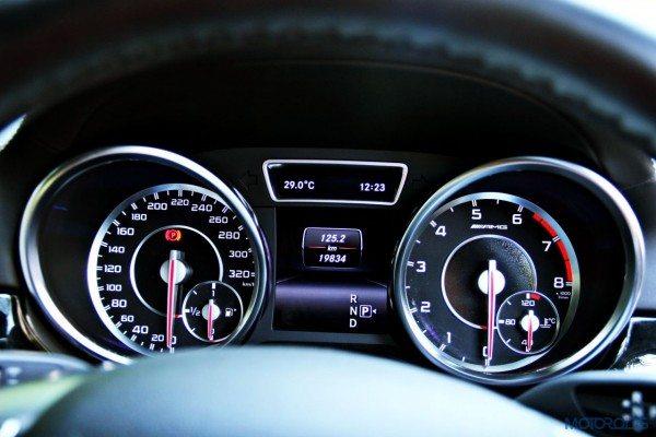 Mercedes-Benz ML 63 AMG instrument cluster(118)